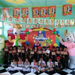 Berkunjung ke Sekolah Teman Kodomo di TK Kartika 1-55, Padang